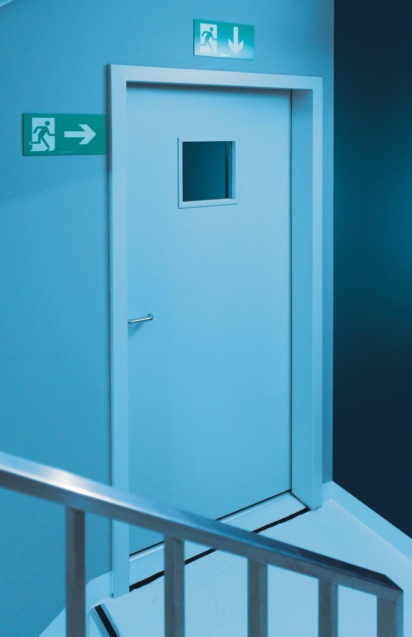 Porte Attastop+ EI30 phonique vitrée issue de secours