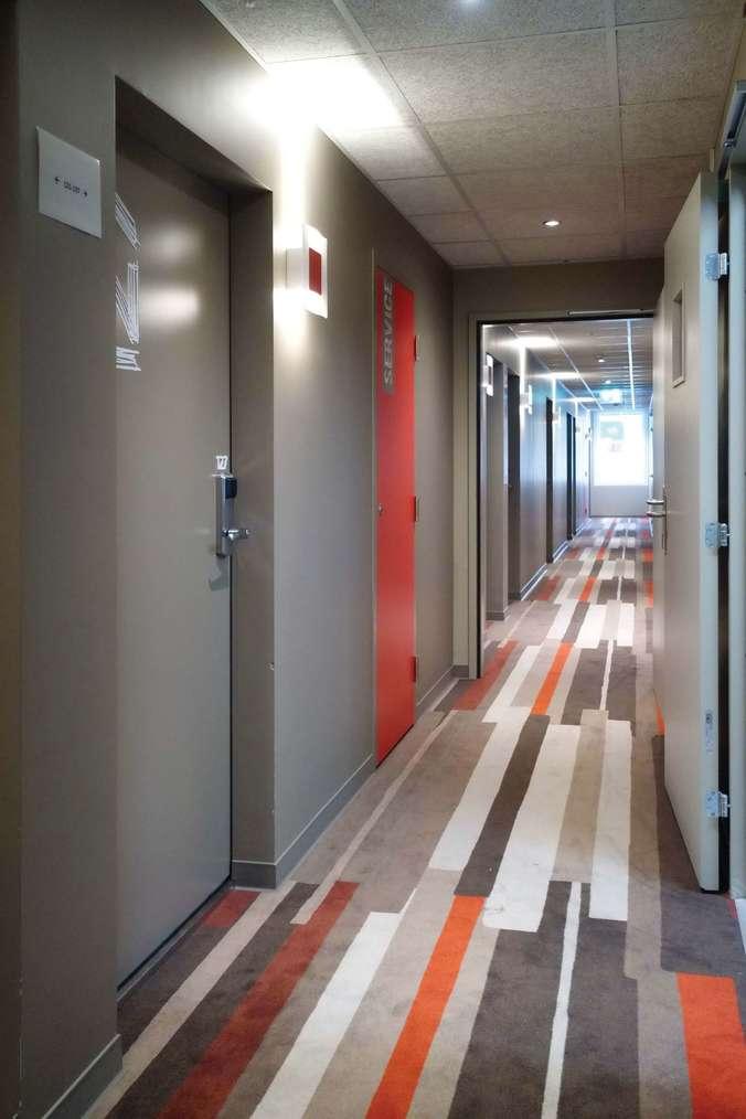 Porte de chambre d'hôtel EI30 phonique Attastop+ avec lecteur de cartes