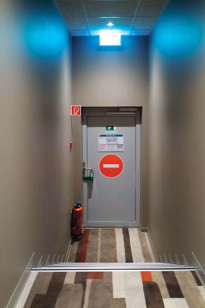 Porte EI30 Attafeu pour issue de secours